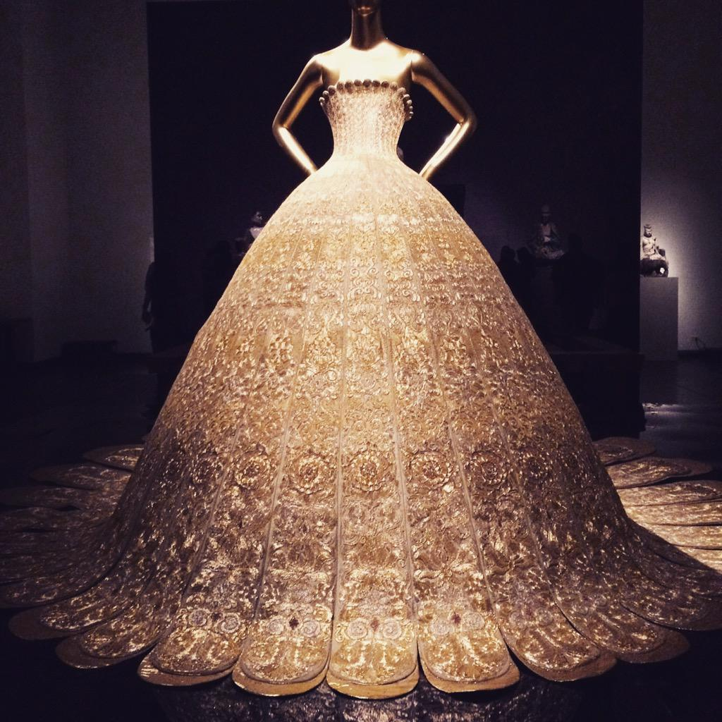 Perfection 😌 #MET #NYC #ChinaLookingGlass http://t.co/lGmWoAWdII