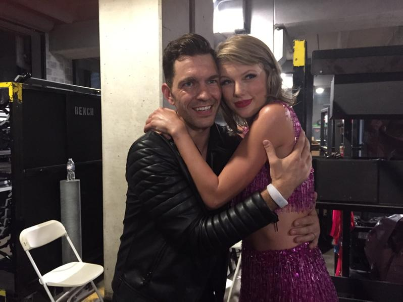 @taylorswift13  and @andygrammer after they dueted at her show tonight in Chicago. http://t.co/6AqS9wu2hS
