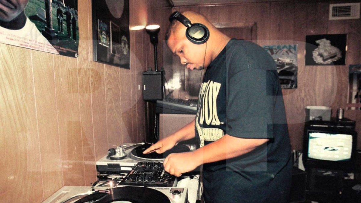 Happy Birthday, DJ Screw. Texas Legend. http://t.co/cAVoZHvRRN http://t.co/ctGHagv9cq
