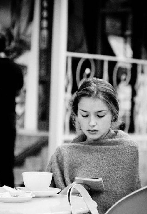 Café ~ Paris~Reading in Paris.  Photo credit: Unknown http://t.co/iiIjka89fe