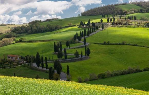 Enjoy culture, emotions, summer, tiny villages and amazing landscapes all in one: http://t.co/V8znpxMSb7 #Tuscany http://t.co/ovQuezZEsb