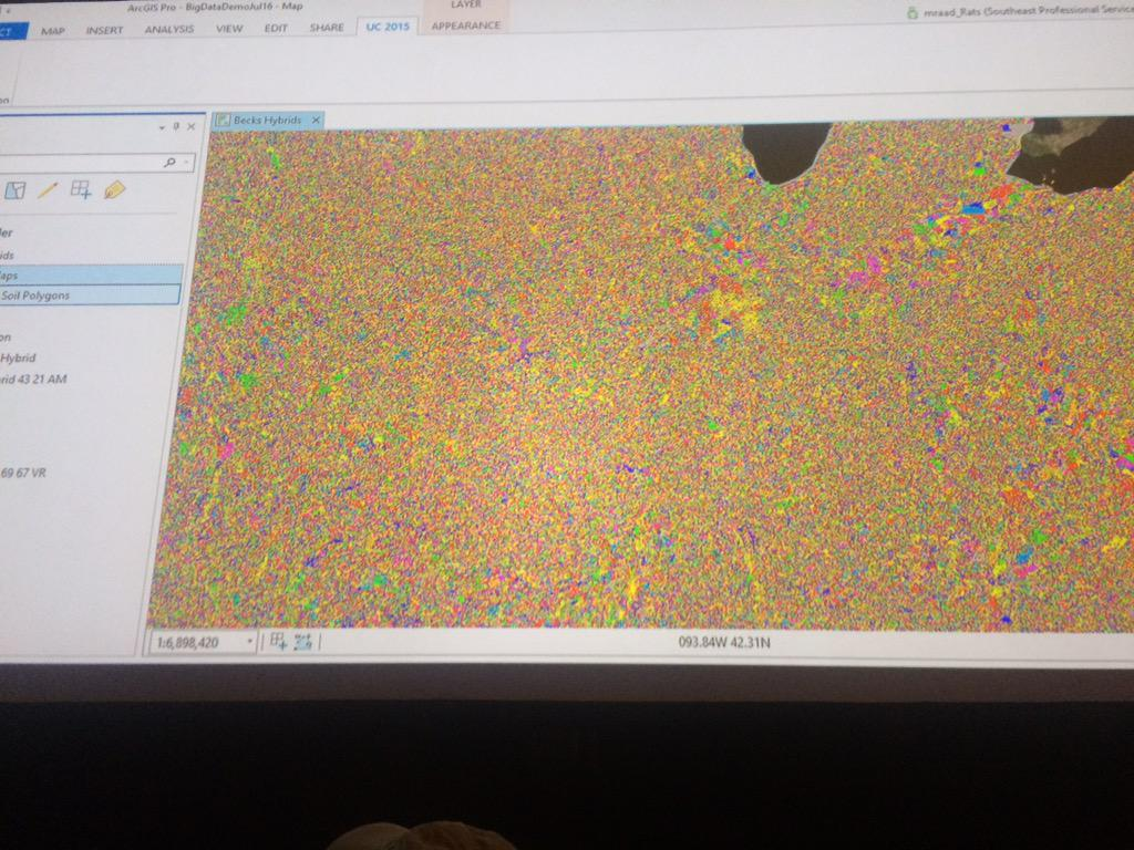 300 billion spatial+temporal analyses optimized crop planting - took ~10 minutes with ArcGIS #bigdata #EsriUC http://t.co/kXFgBA2Ycq