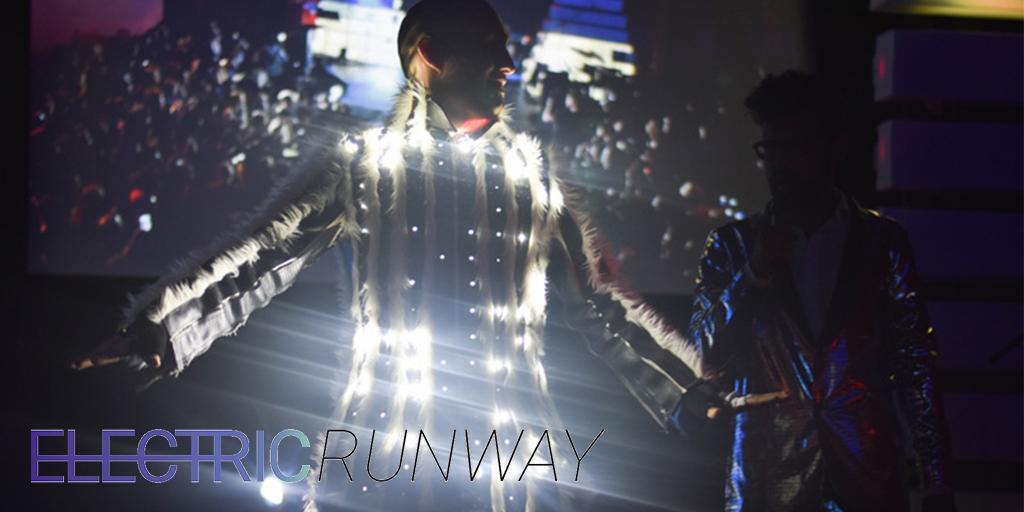 #Toronto, don't miss it! @Electric_Runway lights up @918Bathurst July 23 w/ @MakerFestivalTO: http://t.co/B7gcGnUffw http://t.co/J8zhNJWHAR