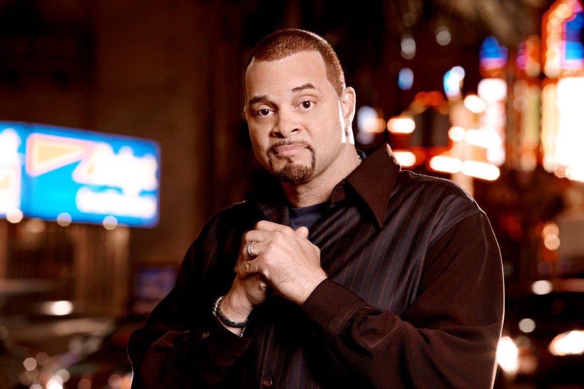 Love to laugh? @sinbadbad is bringing his comedy to EQC on 9/25. http://t.co/73MCEixHoY http://t.co/pLRDHBpQPX