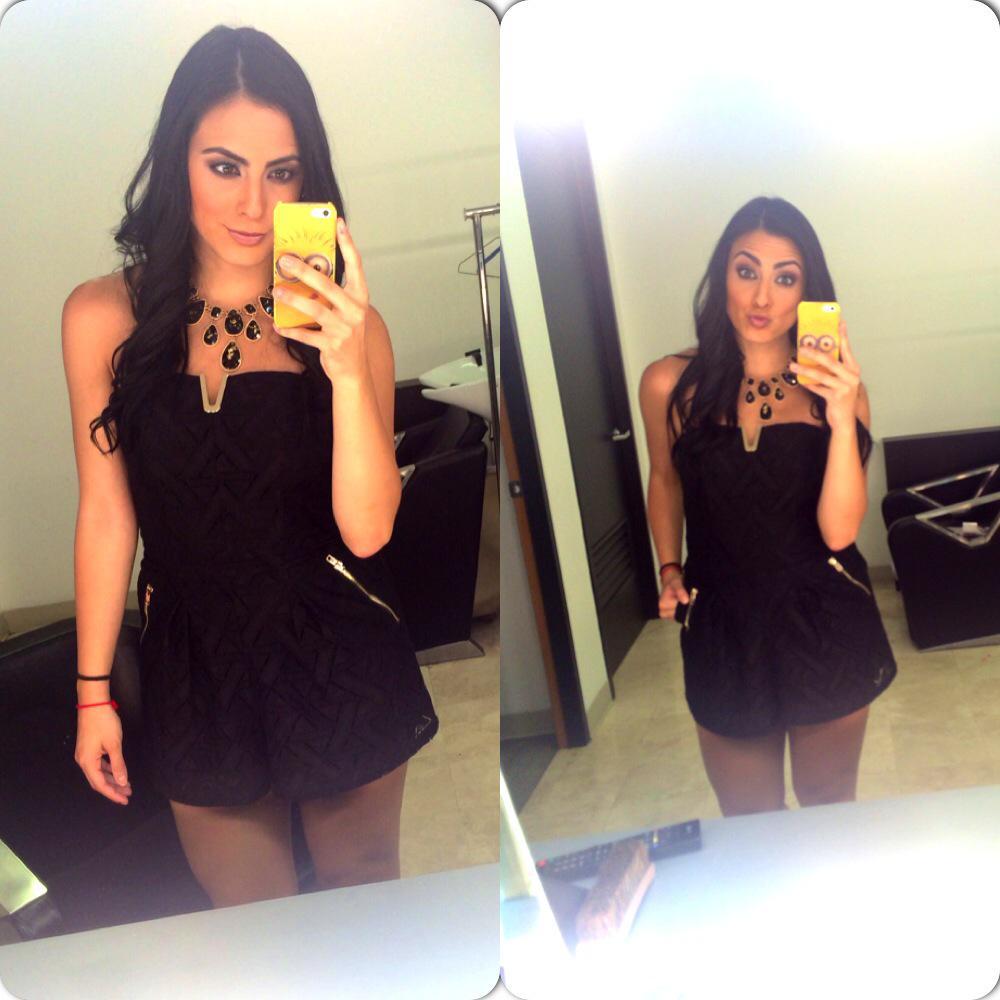 Valeria Marín (@ValMarinR): Amo mi outfit, gracias @LATIENDITADF soy la más feliz!!! No pude arrancar de mejor forma mi semana