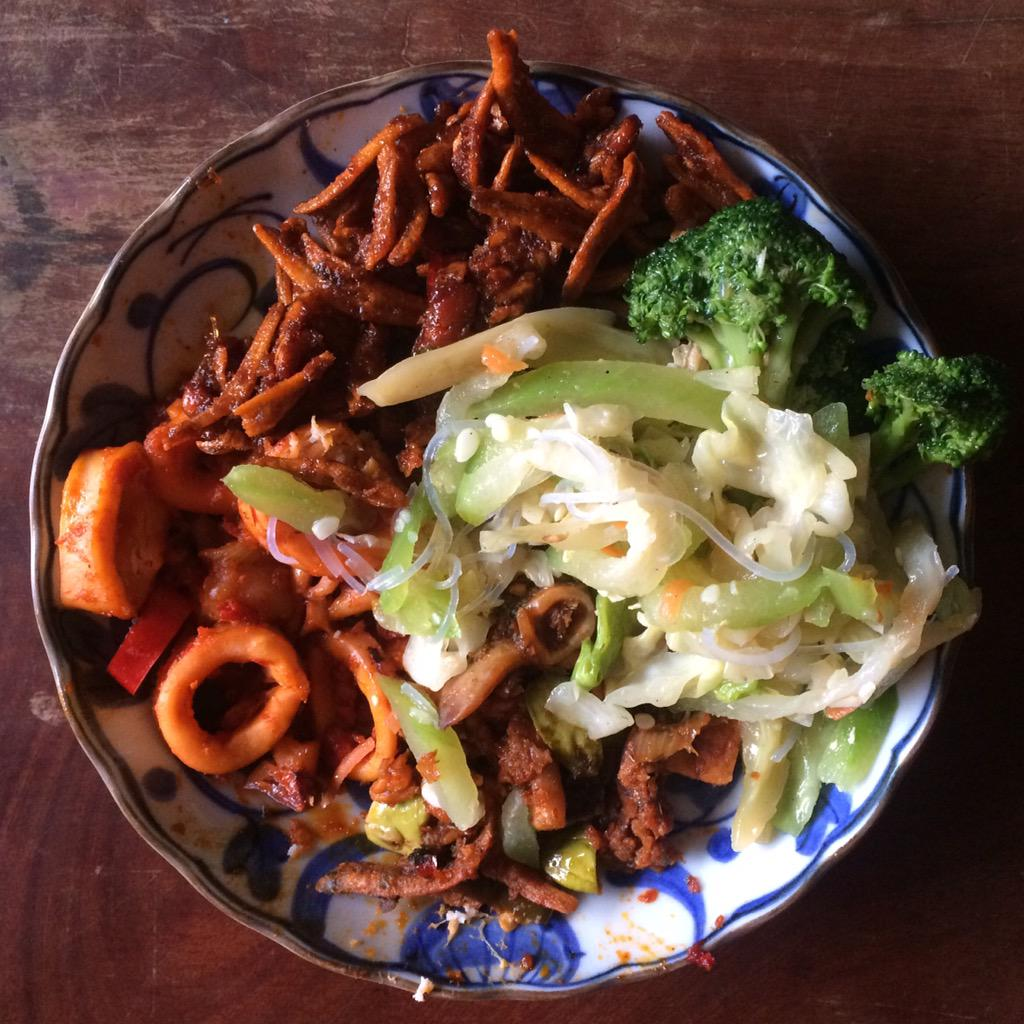 #PerformancePlate 1 of 3 after long ride/run brick: #sambal #squid/tofu/anchovies/tempeh/petai, veggies.
