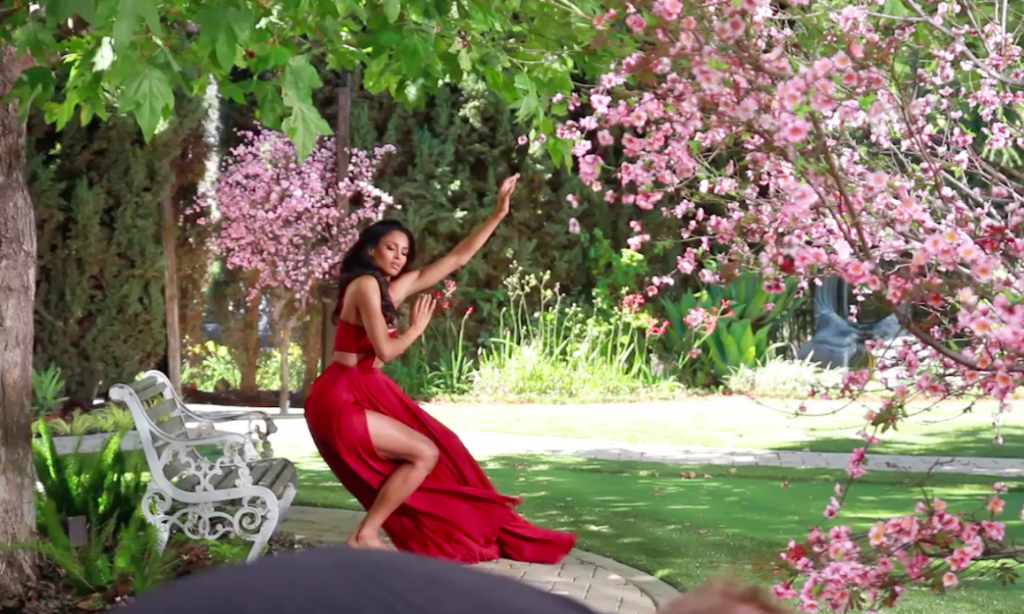 @AppleMusic Go behind the scenes of @ciara's #DanceLikeWereMakingLove video!
