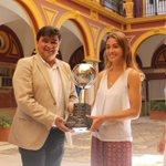 Felicidades CAMPEONA y gracias por llevar el nombre de #Huelva y el deporte onubense a lo más alto http://t.co/gwPg30Pi9Z