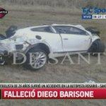 Así quedó el auto de Diego Barisone, el jugador de Lanús que falleció esta madrugada. http://t.co/gTb8tY93XW