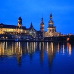 4 spots to photograph #Dresden at night http://t.co/RA5wvCWmJG | @DD_Marketing @bettina_bunge @GermanyTourism http://t.co/xwu2cE3pJU