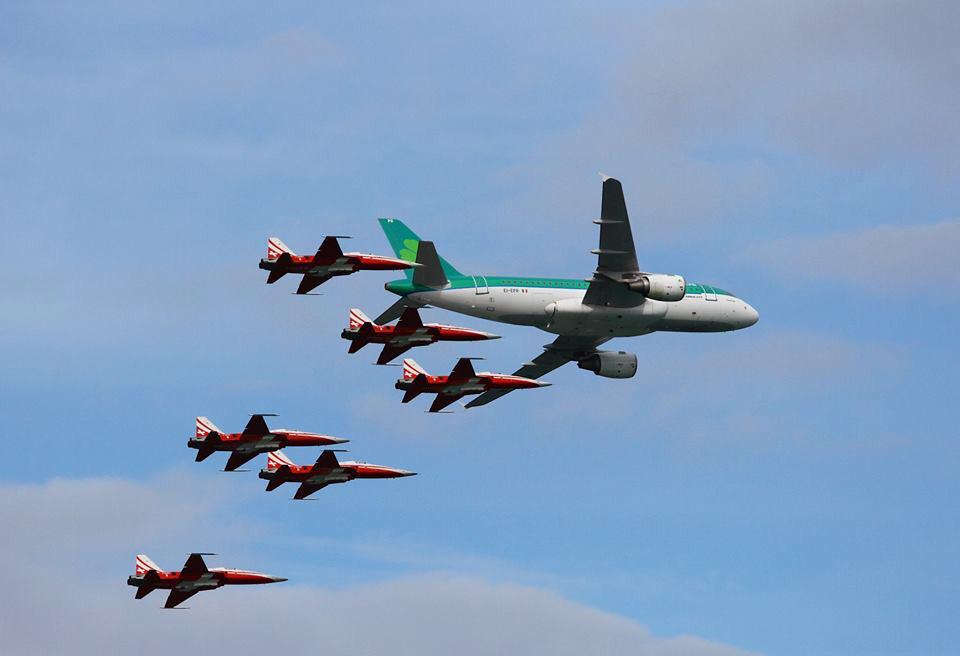 From Sunday's #BrayAirDisplay @AerLingus A320 with the Swiss display team http://t.co/mqWPdYoaed