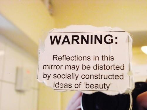 All mirrors should come with this sign... http://t.co/5oP0ZCbl8u