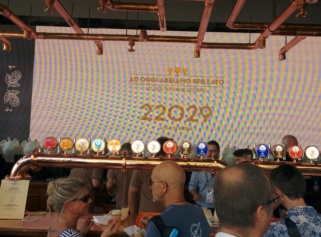 @BirraPoretti a #ExpoMilano2015 con il sistema #draughtmaster calcola in realtime quanta #CO2 ha evitato. http://t.co/NQeKhlSTbG