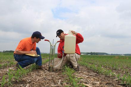 Strip-till? No-till? #Soil tells its secrets! Read here: http://t.co/fXB33RJ5Gp http://t.co/tnF43omTPW
