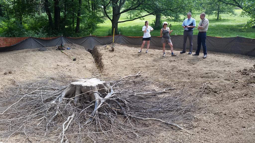 Wow! RT @MurphyWestwood: Root biology research in action @MortonArboretum. 80 year old oak root system modeling. http://t.co/KZVWBKcRzE