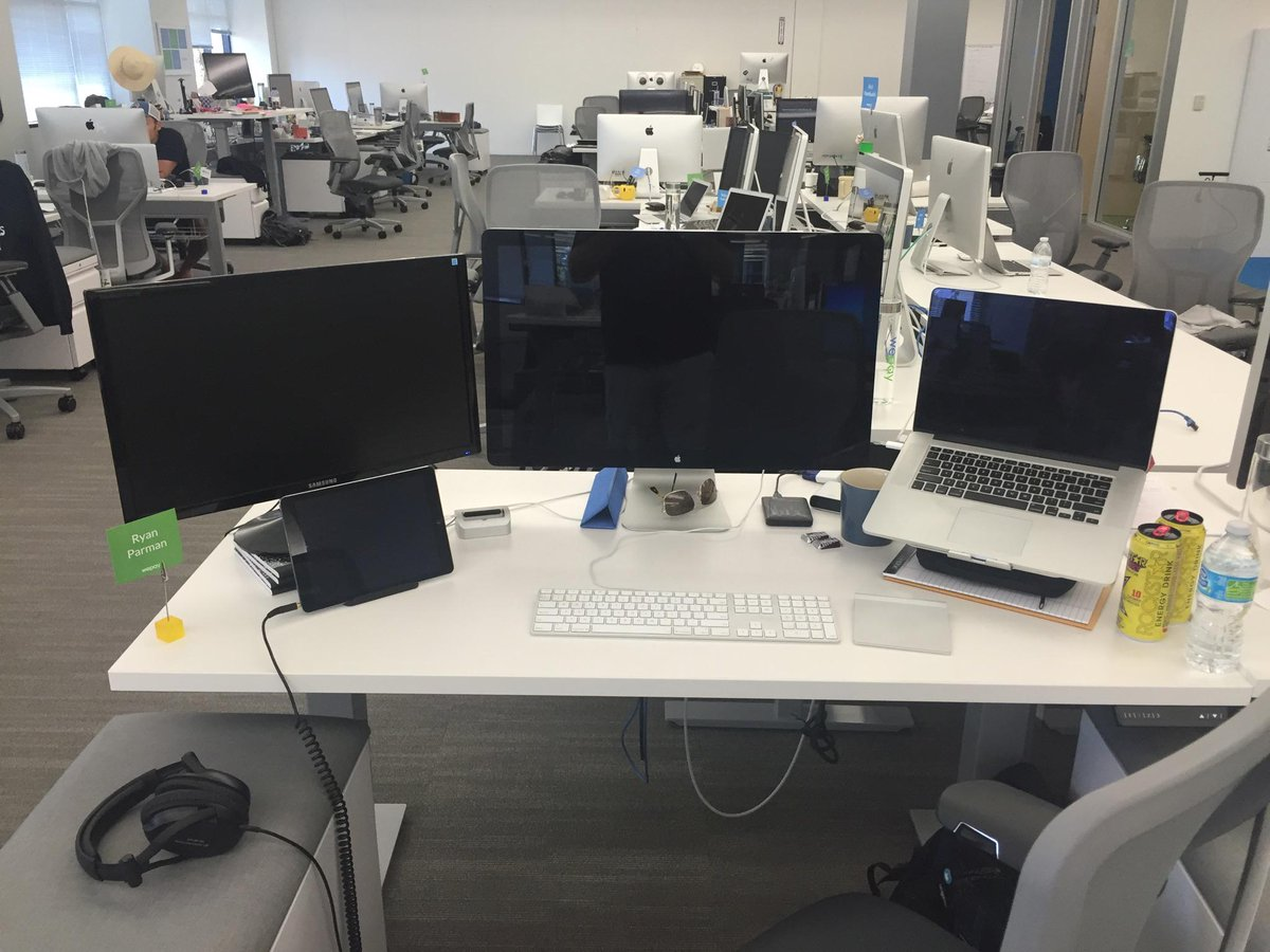 Come work with me at @WePay! All engineers get MacBook Pros with Thunderbolt displays! http://t.co/PTTsjO3uiy http://t.co/NLpdIUJJ2P