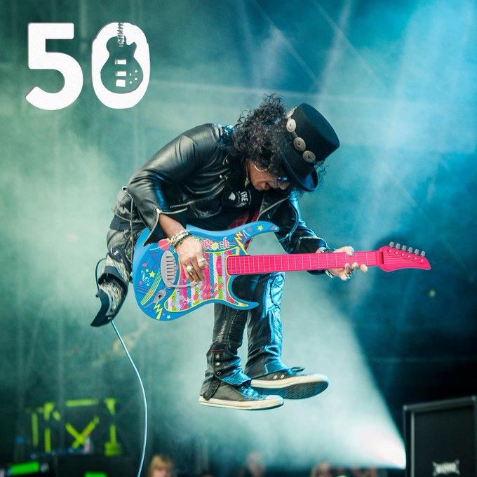 Happy birthday Veel plezier met je nieuwe gitaar!