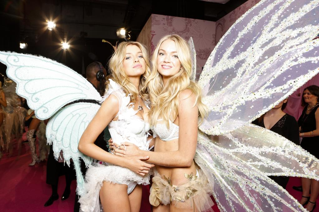 We are excited to announce that @VictoriasSecret will makes its debut at WestQuay in November! http://t.co/EQuaFqt0Ep http://t.co/L4w8nY8Fxx