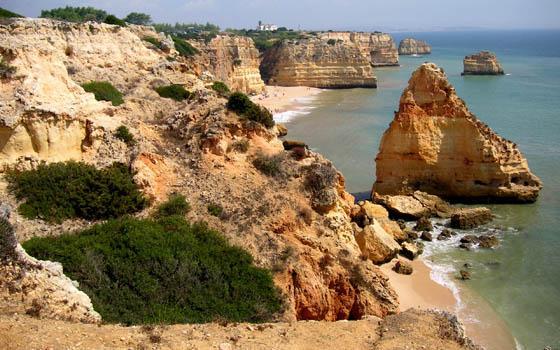 Escápate al #Algarve este verano!! La tierra por dónde se pone el sol te espera! http://t.co/P1od2cUir8 http://t.co/Cw3vl6USEL