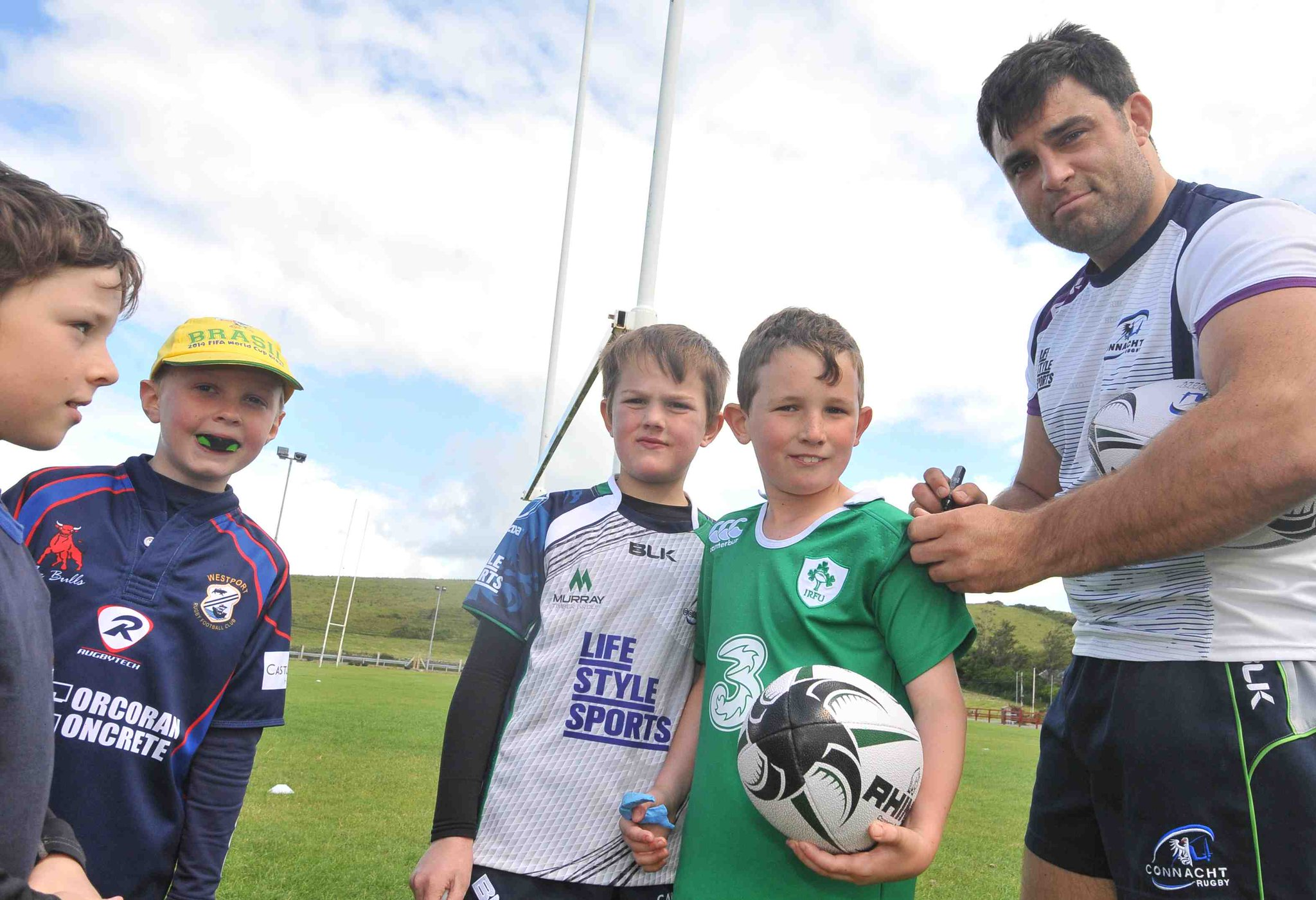 RT @connachtrugby: Great week @westport_rfc for the Connacht Rugby Summer Camp.@rolocks1 made the trip to camp yesterday for fun & games http://t.co/9lN8hn9g8o