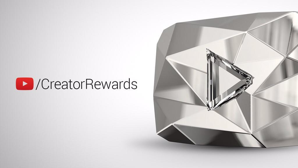 Introducing a new Creator Reward: the Diamond Play Button. https://t.co/XaE6j0oy9c #VidCon #VidConAnnouncements http://t.co/bKTD58EtnU