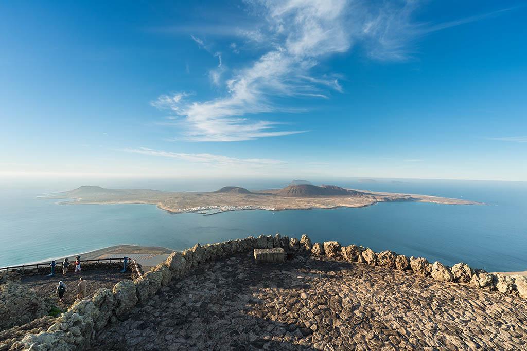 Sin miedo,sube a lo más alto que esta tierra te permita y toca el cielo! #Lanzarote #IslasCanarias Foto: @rubenac0sta http://t.co/UORkGsyumB