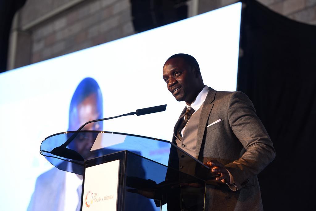 The difference between dreams & success is; dreams need effortless sleep & success needs sleepless effort ~ @Akon http://t.co/p4XqEoMJM1
