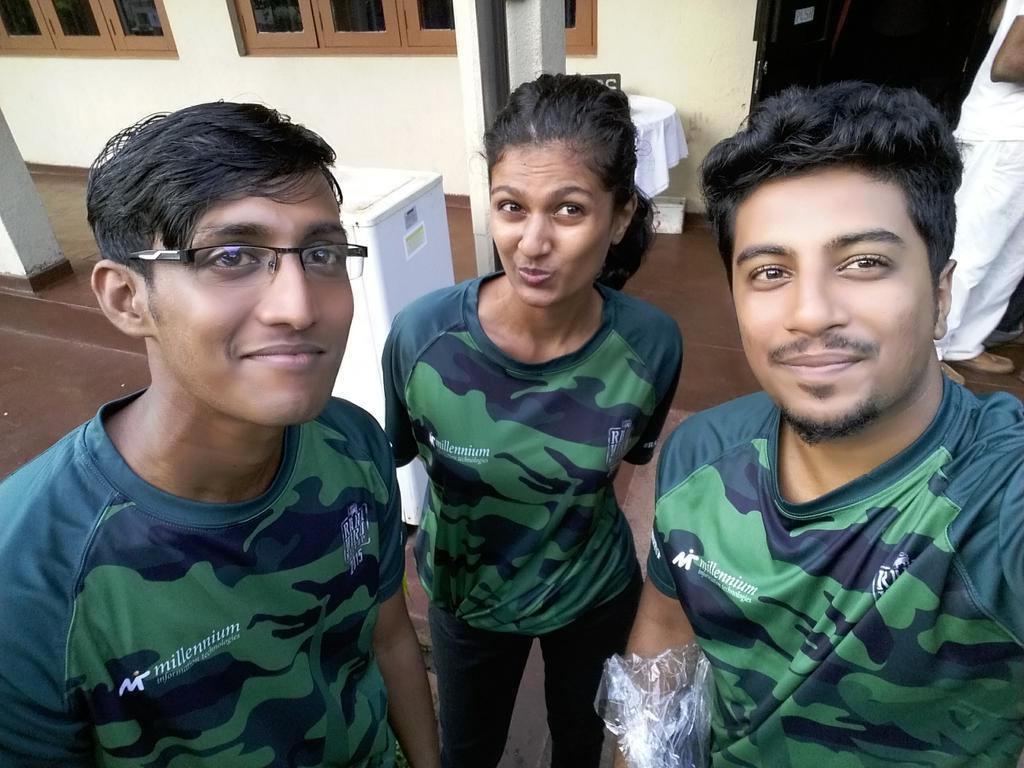Selfies from #RanaViruMeetup @RanaViruMeetup http://t.co/uXhOOtnuK4