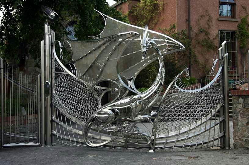 That's some gate! http://t.co/EgfbIXajIt