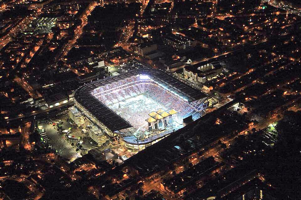 The awesome site of @edsheeran lifting @CrokePark from Irish Air Corps GASU Helicopter #UnderTheNightOfAThousandStars http://t.co/HFxkSYE1fu