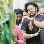 RT @IExpressSports: Teary-eyed @sreesanth36 begs for a chance after being acquitted in #IPLSpotFixing READ http://t.co/oL348Ron2C http://t.…