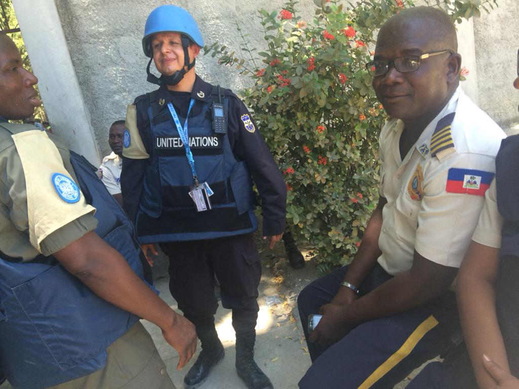 After the voting bureaus were destroyed in Damien the police and MINUSTAH arrived #haiti #elections http://t.co/P5GgfePWE8