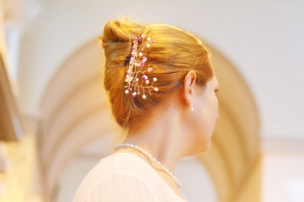 We custom-make bespoke hairpieces and accessories.  Pop along & have a look at the hair combs and pins we've made. http://t.co/7hWUiSKcoq