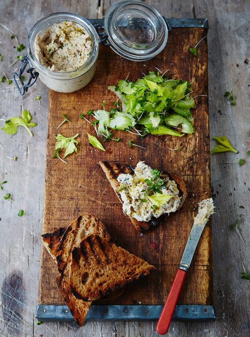 guys #recipeoftheday is smoked mackerel pate with griddled toast & cress salad! quick snack http://t.co/z5nrseplXl http://t.co/1OVM1xZa8z