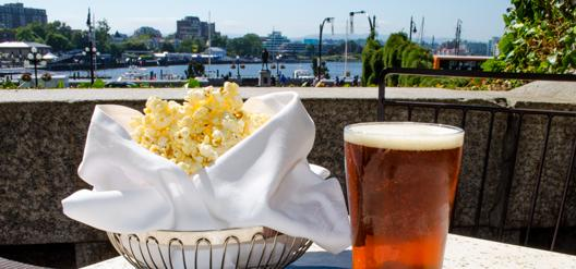 Happy #InternationalBeerDay. Our @HoyneBeer Hefe made with Empress honey is best served with truffle honey popcorn http://t.co/nR20QQy6Fu