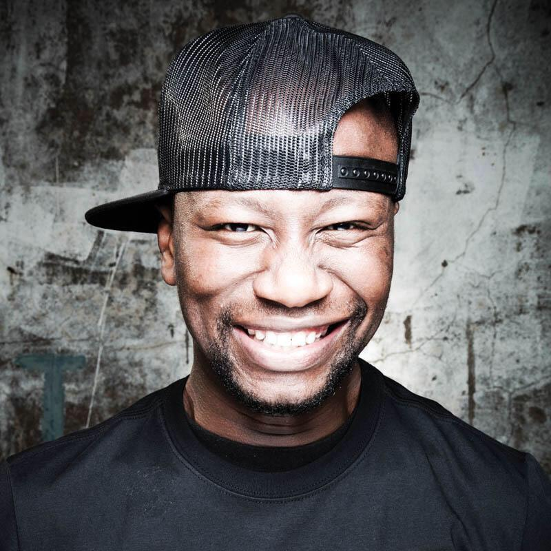 The East Coast Radio family mourns the passing R Mashesha. The game will never be the same again. http://t.co/yf61vFYYdI