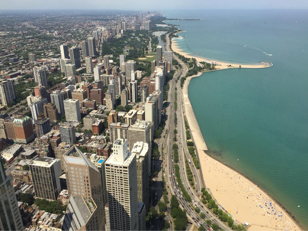 Beautiful #summer day to take in the view. #chicago @ChooseChicago http://t.co/fzxS6GIjYI