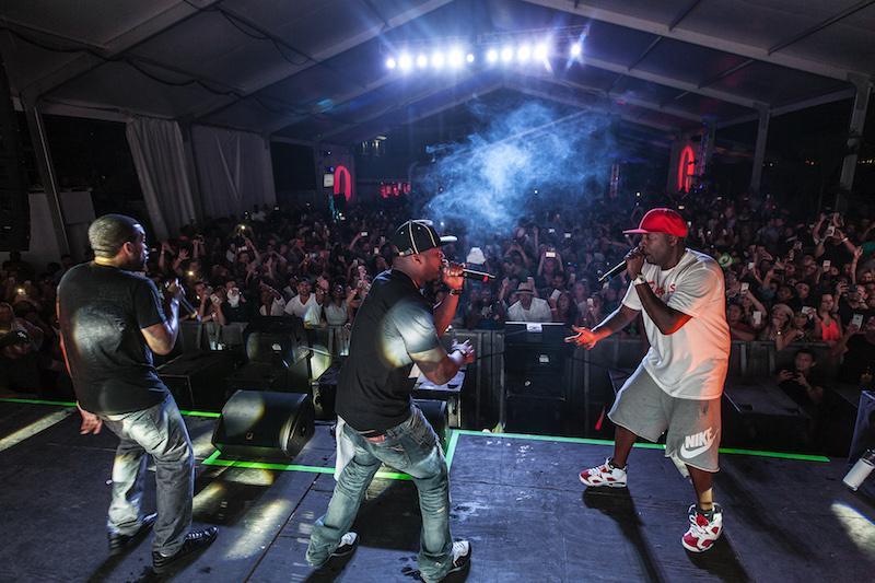 50 Cent x Lloyd Banks x Tony Yayo Live @ 212NYC Beach Party (Pics + Videos) http://t.co/kMTC4uBSmp http://t.co/UNyNTEwE39