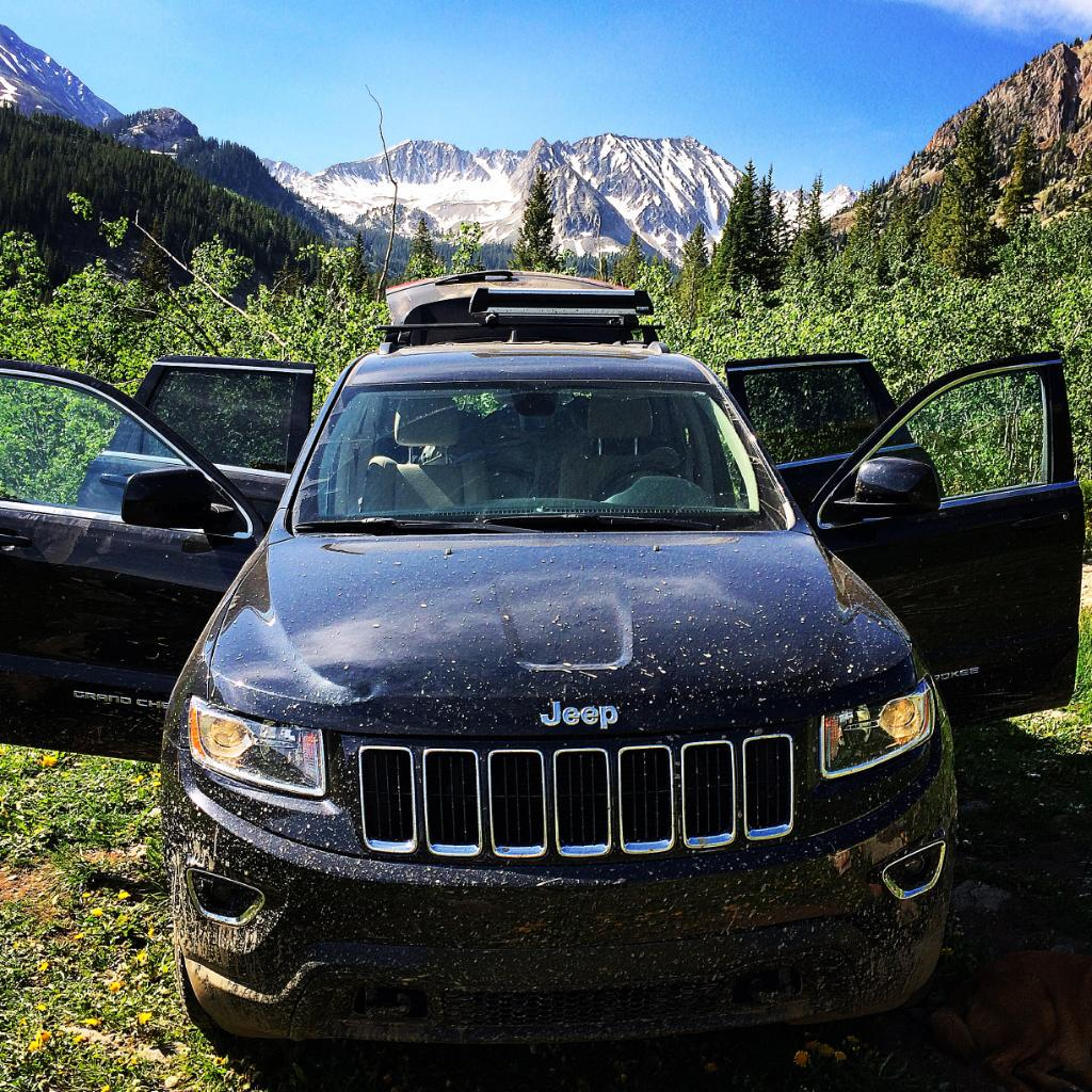 You're one open door away from a #JeepWeekend. Photo credit goes to Erik S. http://t.co/K1JUNXWR7L