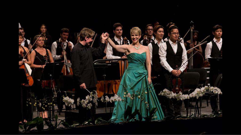 Miss the amazing opening concert with @JoyceDiDonato & @esapekkasalonen ? Replay until 30 Oct. for free on @medicitv http://t.co/rrooqFrCQi