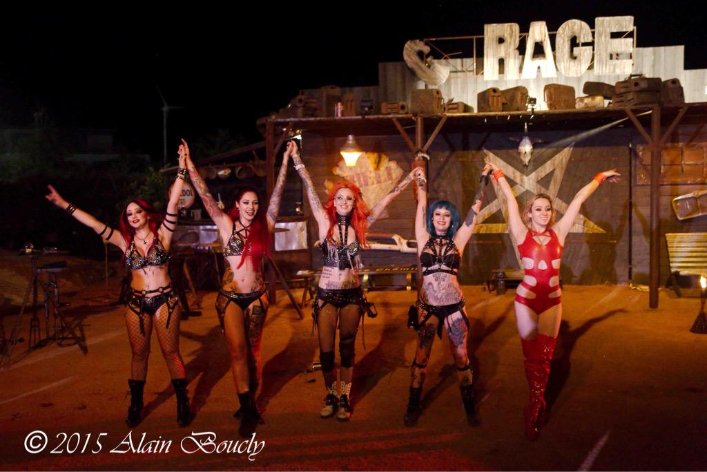 Smiles all round after our VIP show at @hellfestopenair | Photo by Alan boucly http://t.co/6tUMMONps2