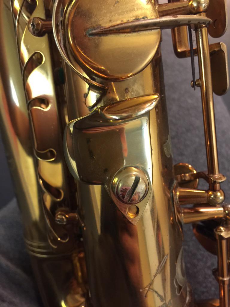 Ishimori管楽器さんが開発したサムフック。手の小さい私達女性にはとてもオススメ!楽器を吹くのが楽で楽しくなりますよ! http://t.co/NV6gDcoMx0