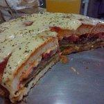 Pizza de hamburguesa. Dios existe. https://t.co/Y8G6MUiPls