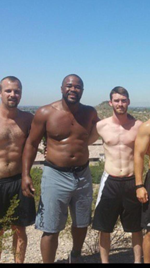 ... @SugaRashadEvans whatever you are doing isn't working either, starting to look like @dc_mma http://t.co/bTfvfYBxoa