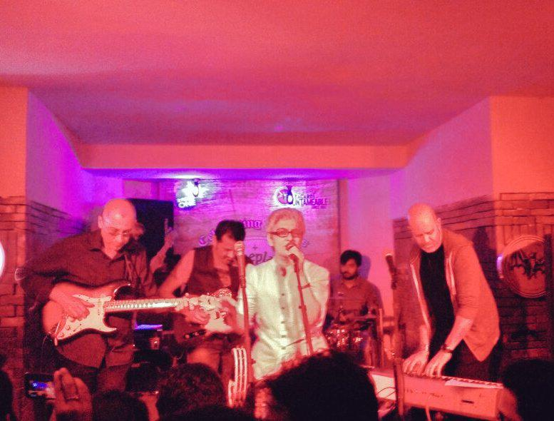 Thanks to @SomeplaceElse for a lovely evening with mesmerising @noisyalley @EhsaanNoorani Loy Rohan Amyt et al http://t.co/ML7aaFLfTD