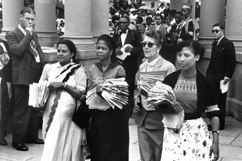We salute the courage and boldness of the women on 1956. Malibongwe! #WomensDay http://t.co/oRxZmZtidu