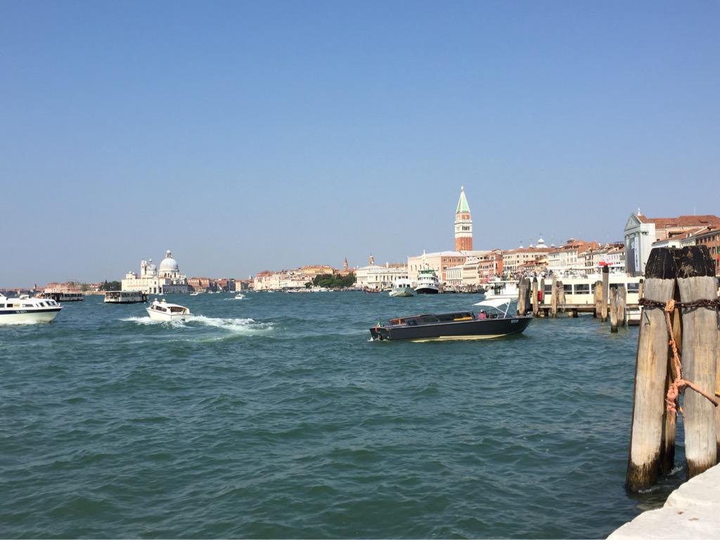 Nice day in #Venice #wulliemalloy #COYBIG its derby day in Glasgow http://t.co/I67SpXuxFr