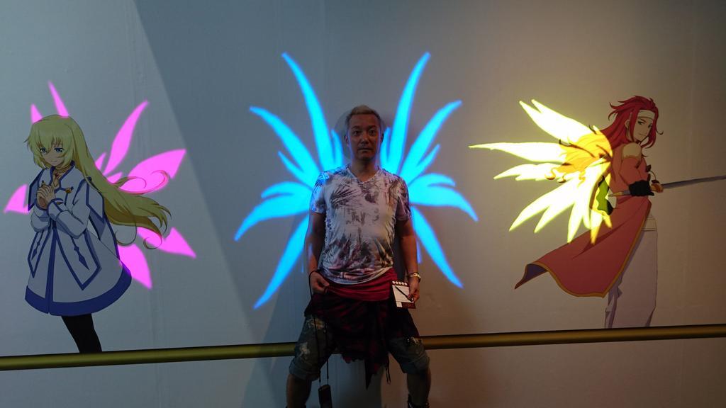 テイルズミュージアム中でいろいろ写真スポットがありました!天使になれますよ! http://t.co/8vYQlY2g9p
