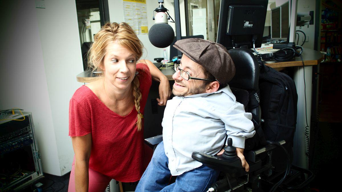 Hier ist das #interview mit Raul Krauthausen @raulde übers #teilhabegesetz zum Nachhören: http://t.co/gBTcrZcuZe http://t.co/L5EUuMxyjp
