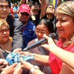 Gob @yelitzePSUV_: Por tu lucha en pro del pueblo venezolano, hoy te rendimos homenaje #ChavezVictoriaDeVzla http://t.co/ZkGM3AQQmg .